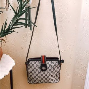 Auth vGucci GG canvas navy leather crossbody/ bag